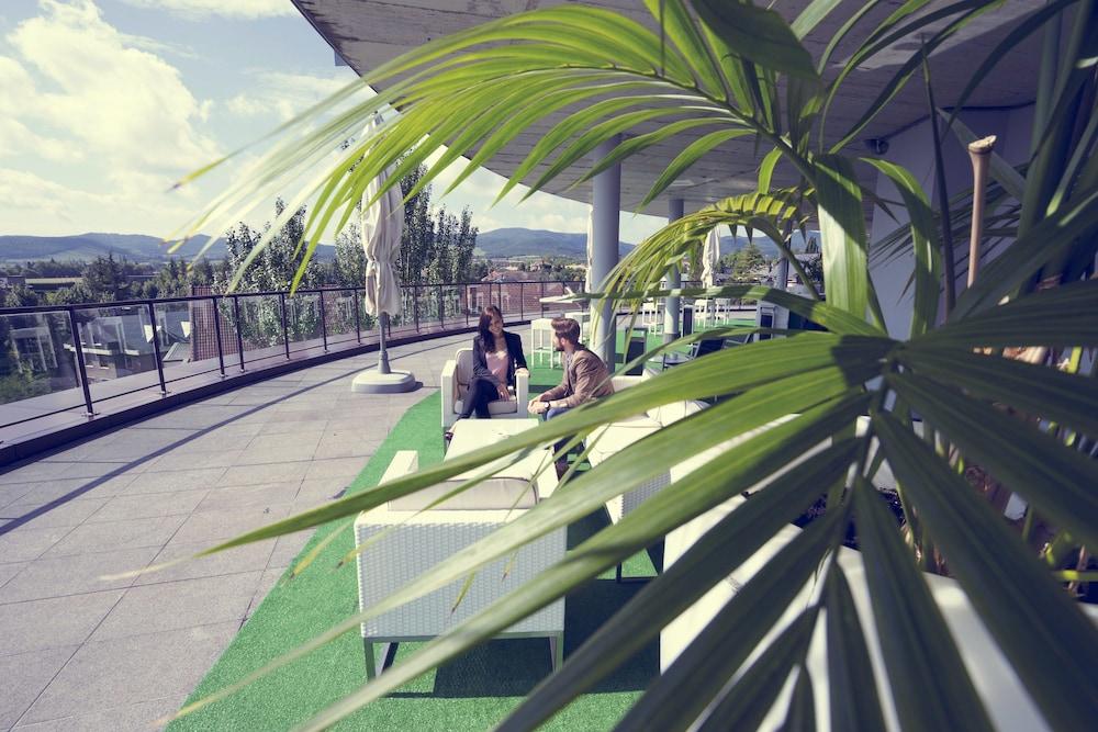 Book apartamentos jardines de uleta suites vitoria for Jardines de uleta