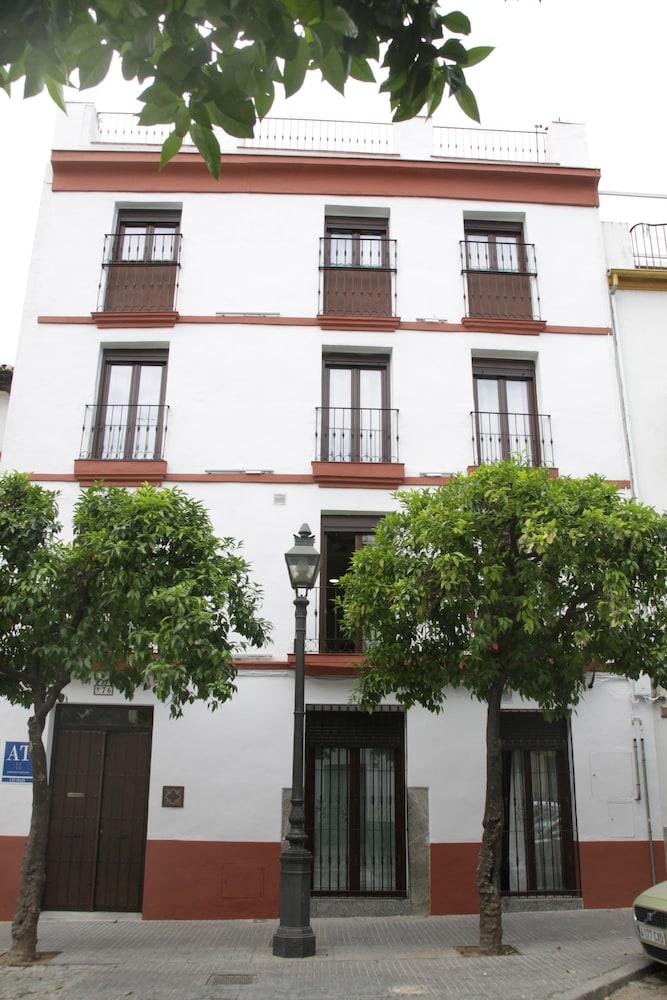 Book apartamentos tur sticos san fernando 76 cordoba hotel deals - Apartamentos turisticos la castilleja cordoba ...