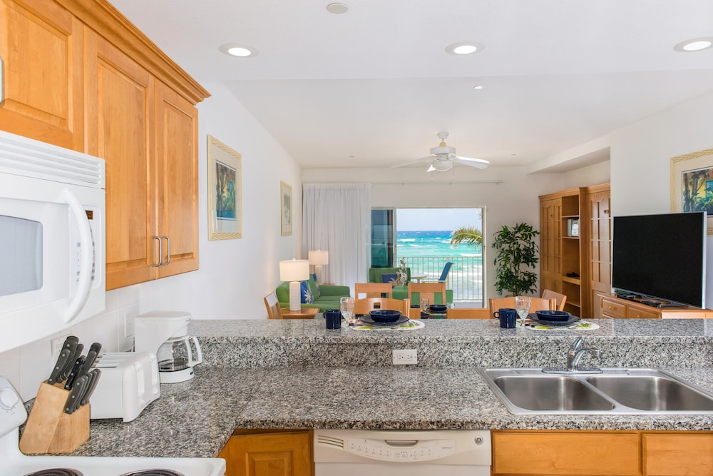 Private Kitchen, Wyndham Reef Resort All-Inclusive