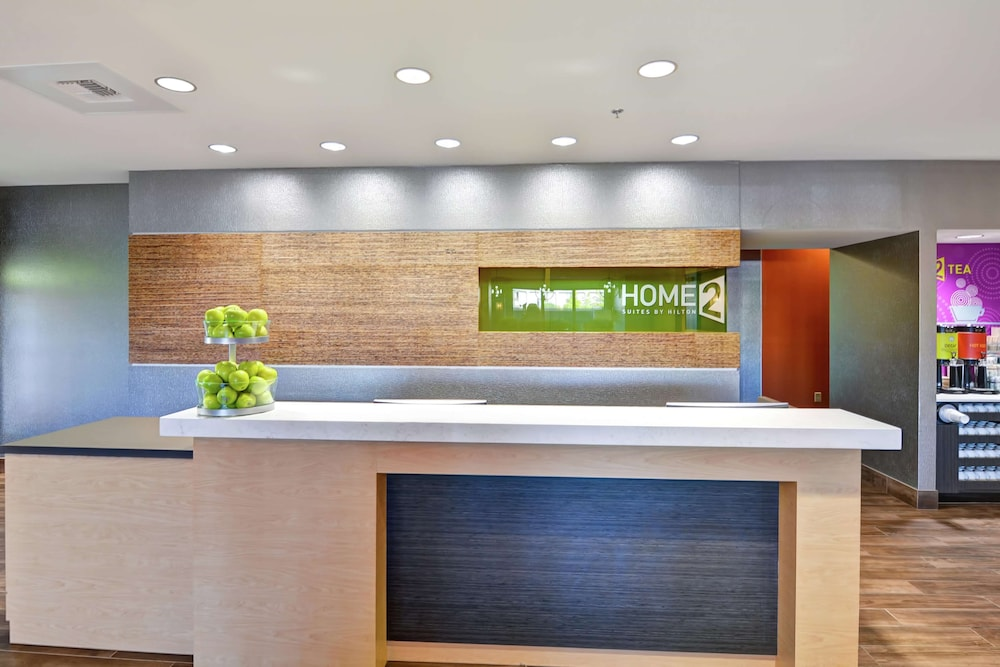 Reception, Home2 Suites by Hilton Conway