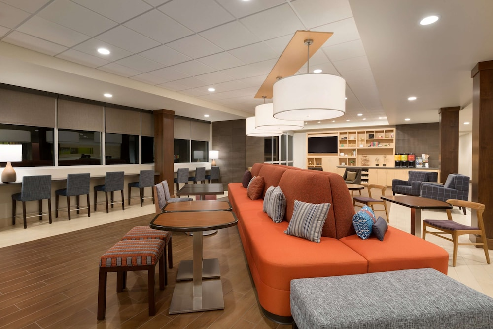 Lobby, Home2 Suites by Hilton Glendale - Westgate