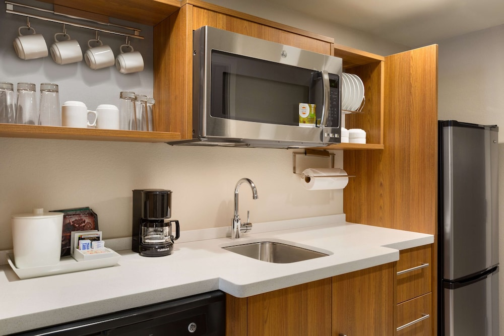 Private Kitchen, Home2 Suites by Hilton Glendale - Westgate