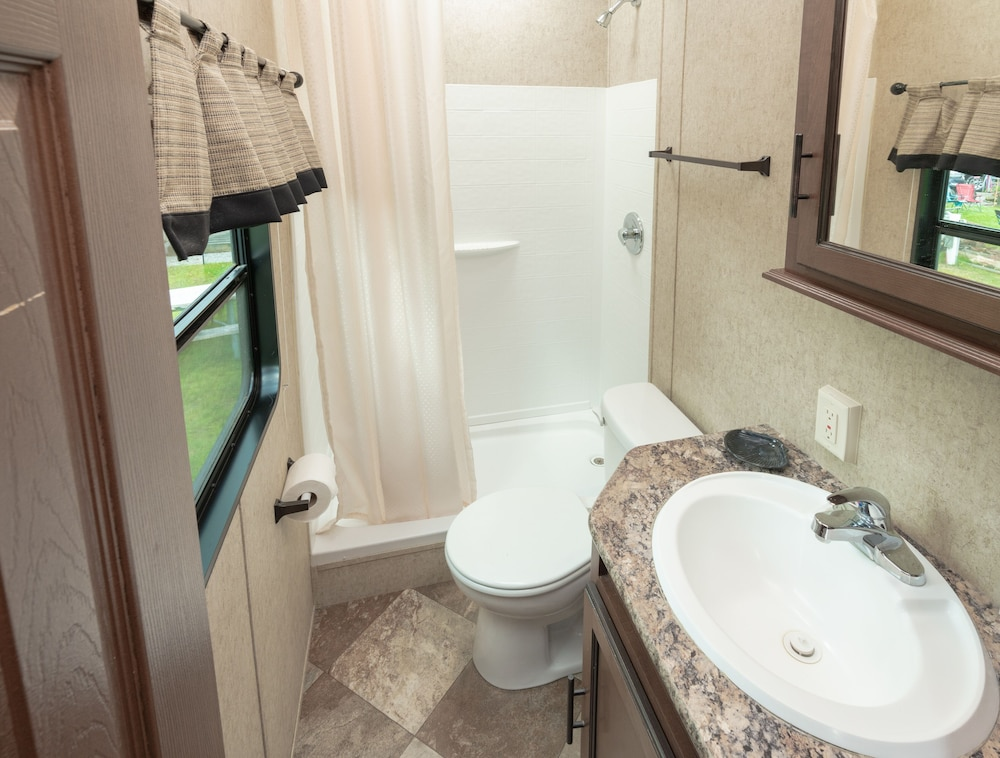 Bathroom, Seaport RV Resort