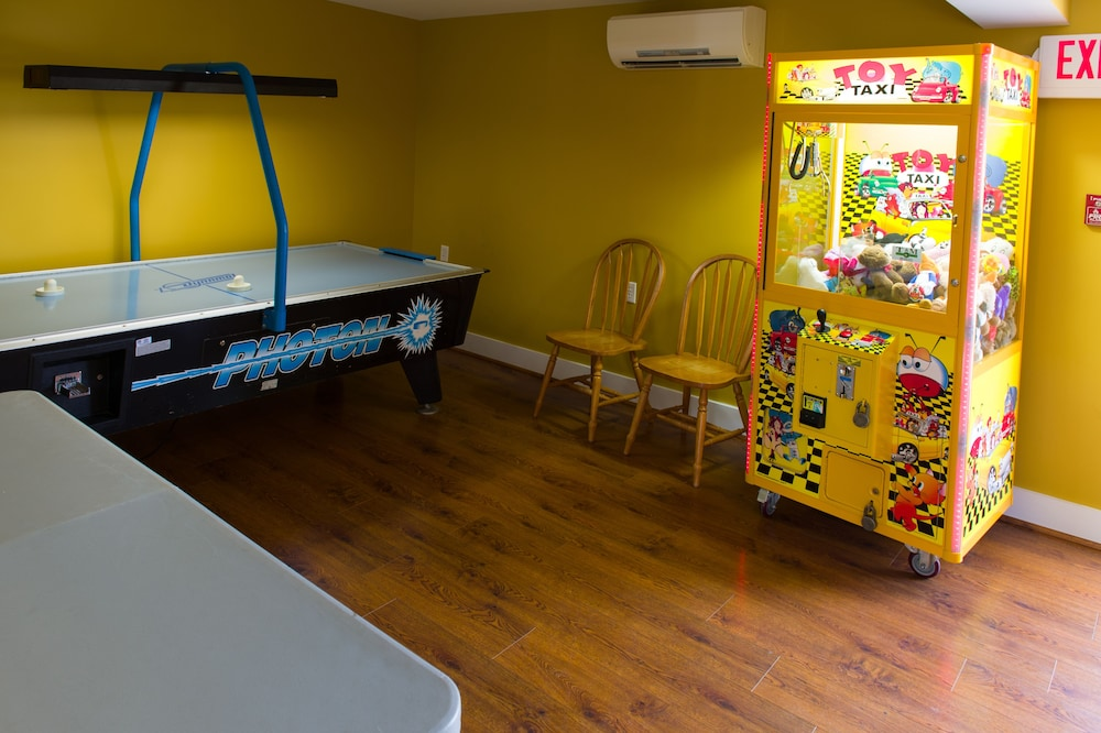 Arcade, Seaport RV Resort