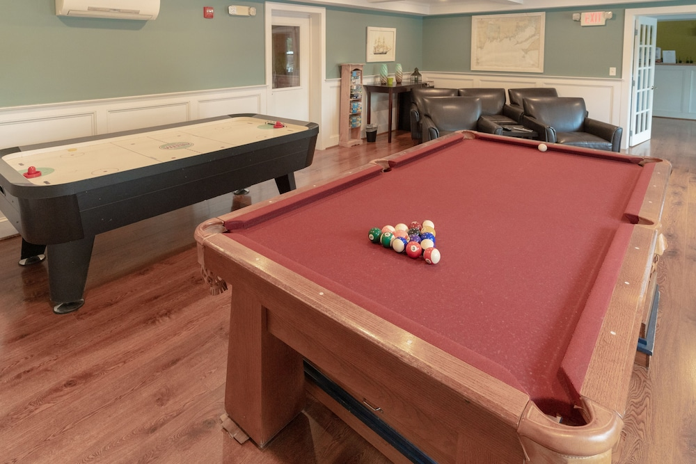 Billiards, Seaport RV Resort