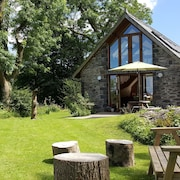 Nant yr Onnen B&B and Ysgubor Holiday Cottage