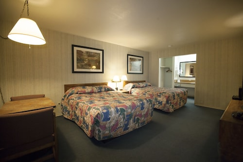 Check Expedia for Availability of Orland Inn
