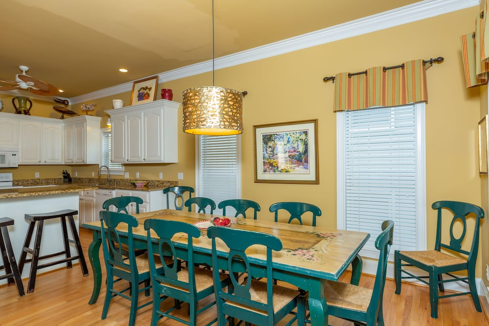 Breakfast Area, Vacation Rentals at Wild Dunes Resort