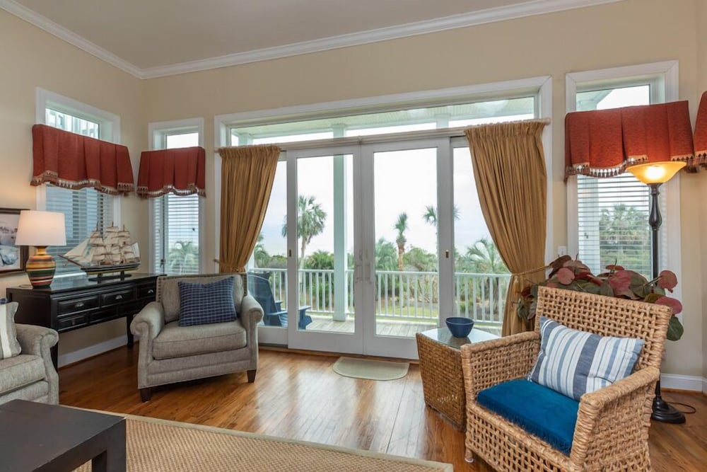 Living Area, Vacation Rentals at Wild Dunes Resort