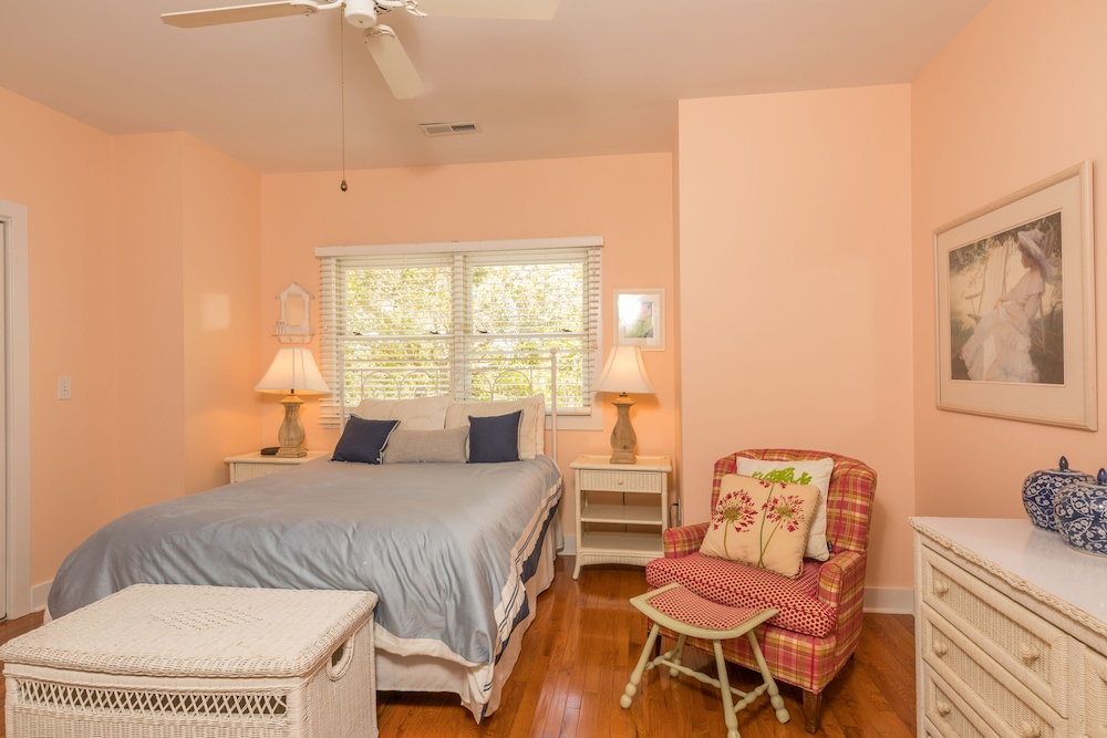 Room, Vacation Rentals at Wild Dunes Resort