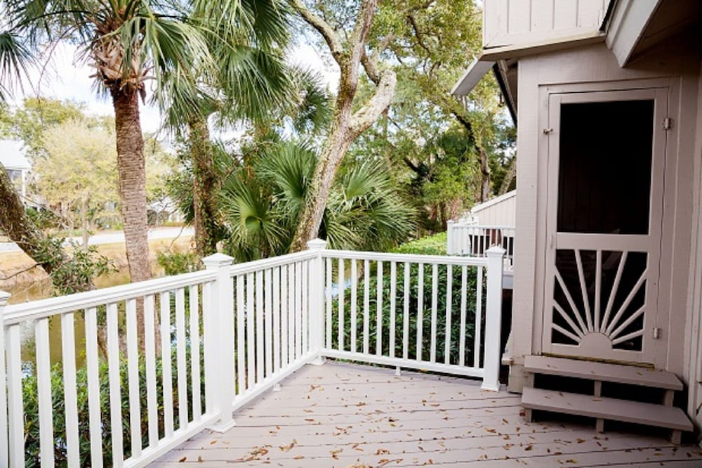 Balcony, Vacation Rentals at Wild Dunes Resort