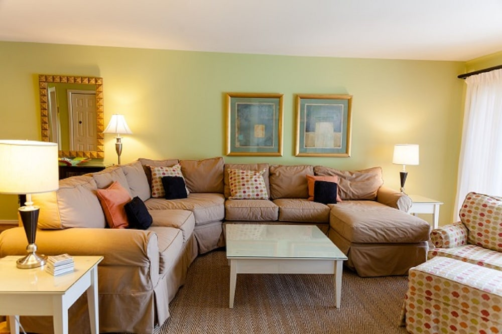 Living Room, Vacation Rentals at Wild Dunes Resort