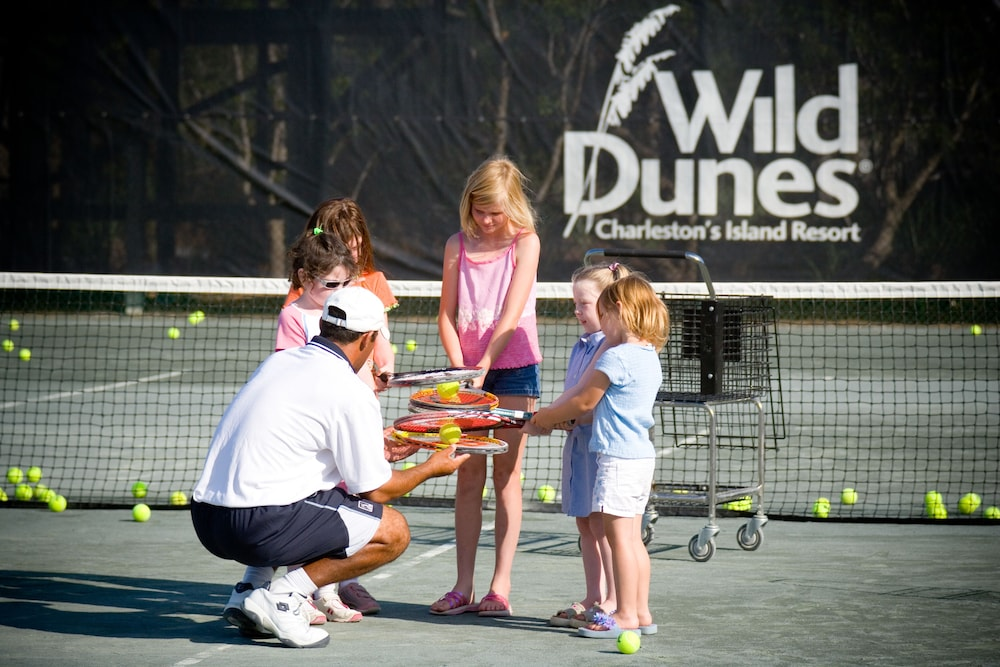 Tennis Court, Vacation Rentals at Wild Dunes Resort