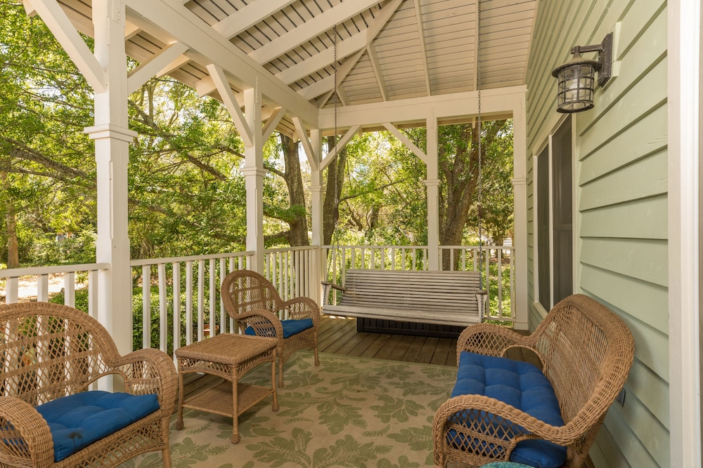 Terrace/Patio, Vacation Rentals at Wild Dunes Resort