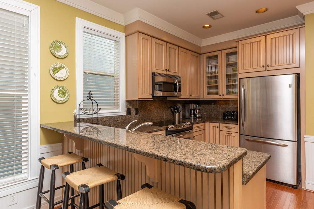 Private Kitchen, Vacation Rentals at Wild Dunes Resort