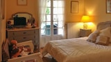 Sunny 7th arrondissement of Marseille house - Marseille Hotels