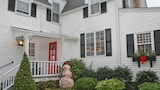 Harbor Knoll Bed and Breakfast - Greenport Hotels