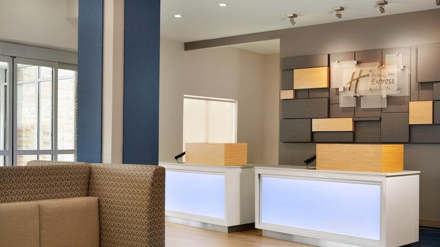Holiday Inn Express & Suites McAllen - Medical Center Area, an IHG Hotel