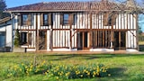 Charming Garden House - Trensacq Hotels