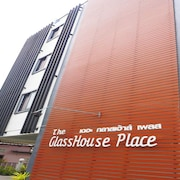 The Glasshouse Place
