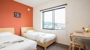3 bedrooms, in-room safe, blackout drapes, free WiFi