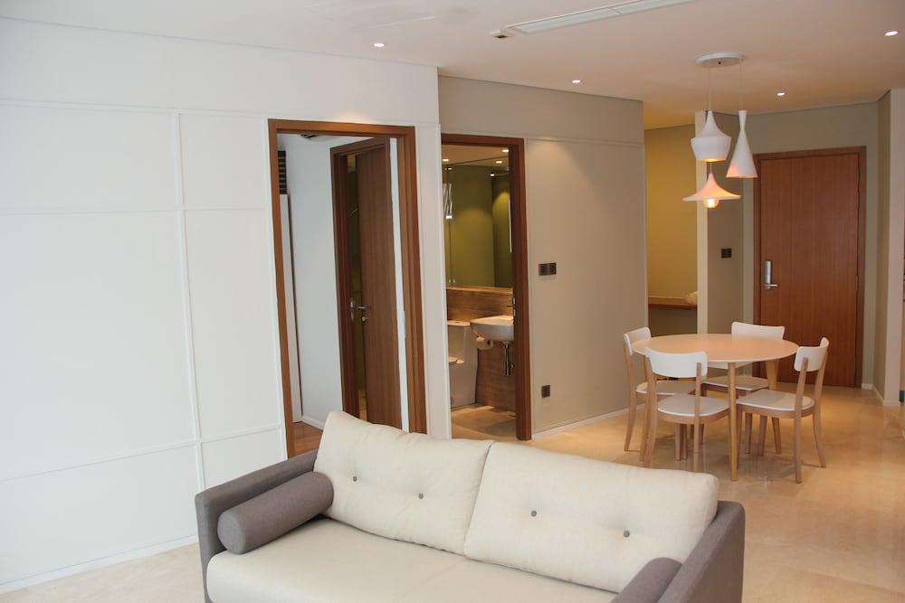 Book vortex suites kuala lumpur hotel deals for Cheap bedroom suites deals