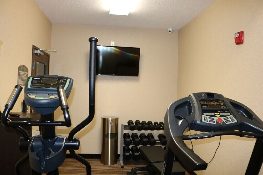 Gym, Cobblestone Inn & Suites - Maryville