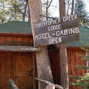 Christopher Creek Lodge