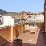 Apartment 170m from beach