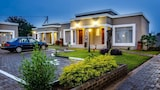 Hill View Inn - Serowe Hotels