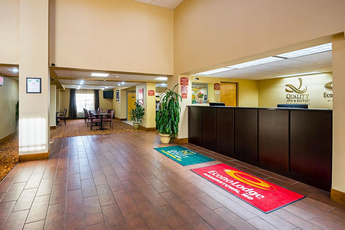 Econo Lodge Hagerstown I 81 In Hagerstown Md Expedia