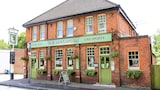 The Alexandra Pub - Farnborough Hotels
