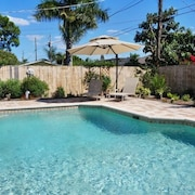 NP100TH 712 3 Bedroom Holiday Home by Marco Naples Vacation Homes