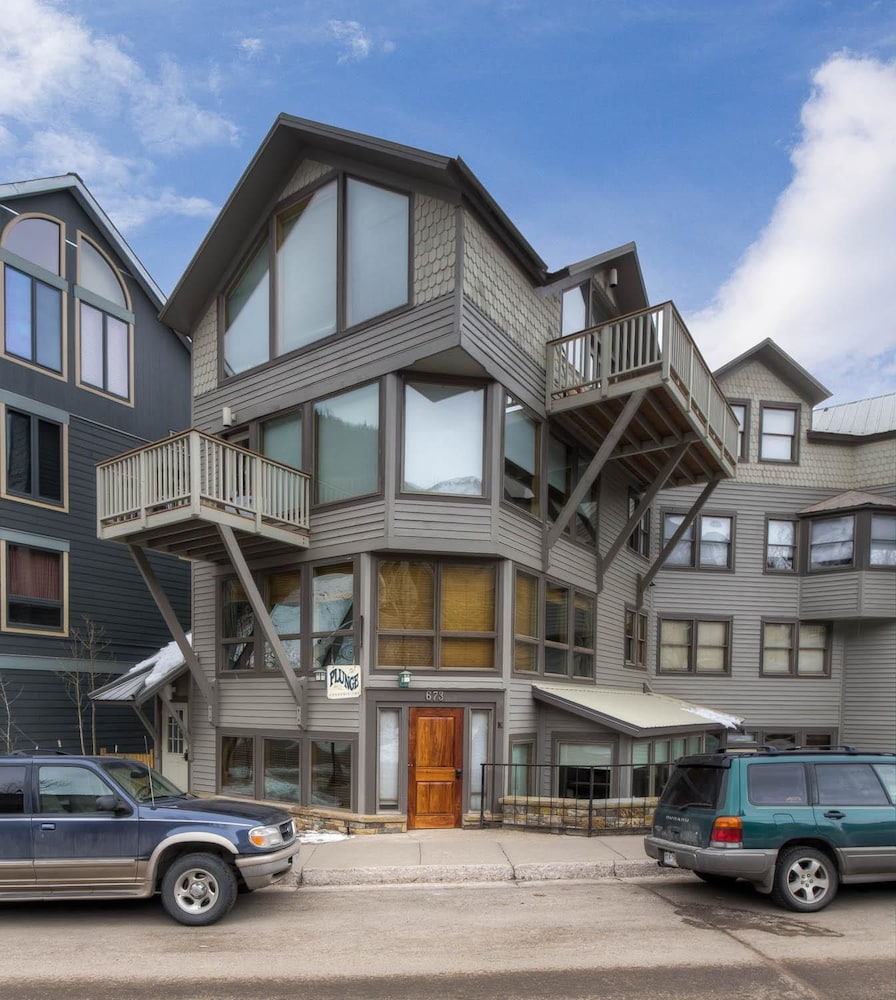 Plunge h 3 bedroom condo by accommodations in telluride for Hotel familiar montana