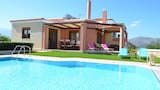 Cretan Vineyard Hill Villa - Heraklion Hotels