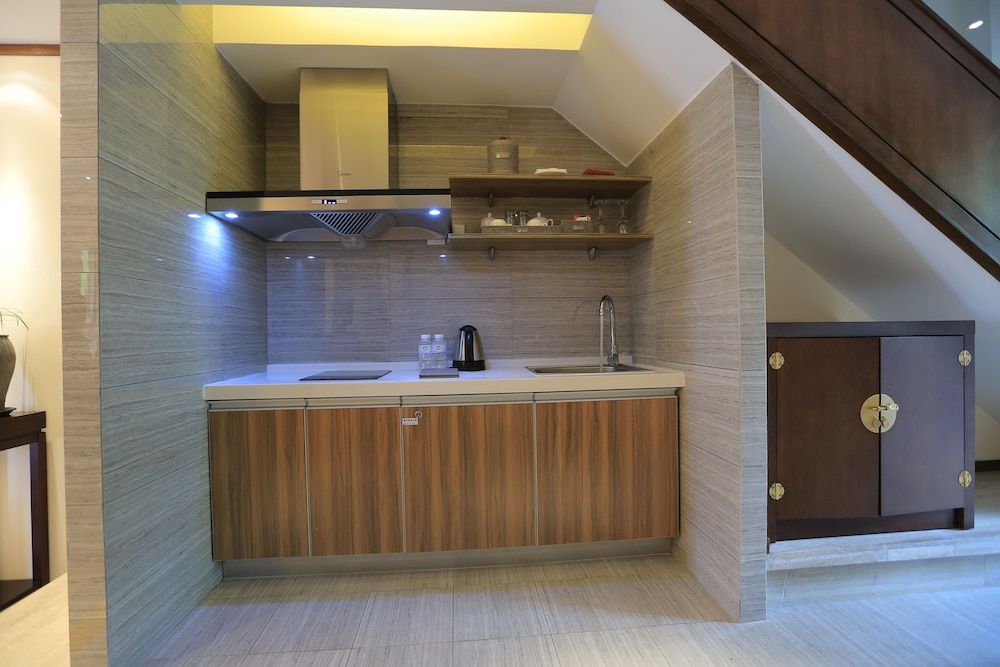 Private Kitchenette, Lijiang Patio Luxury Hotel and Resort