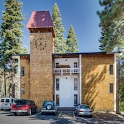 Scott Peak Slopeside Condo Dog Friendly