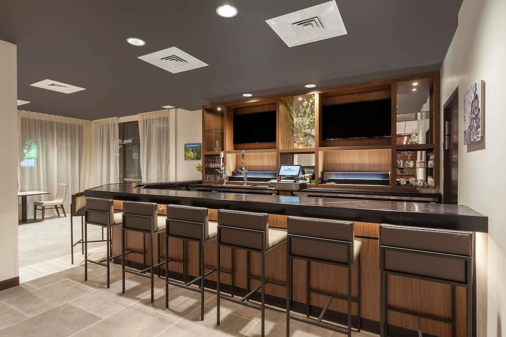Bar, Wingate by Wyndham Altoona Downtown/Medical Center