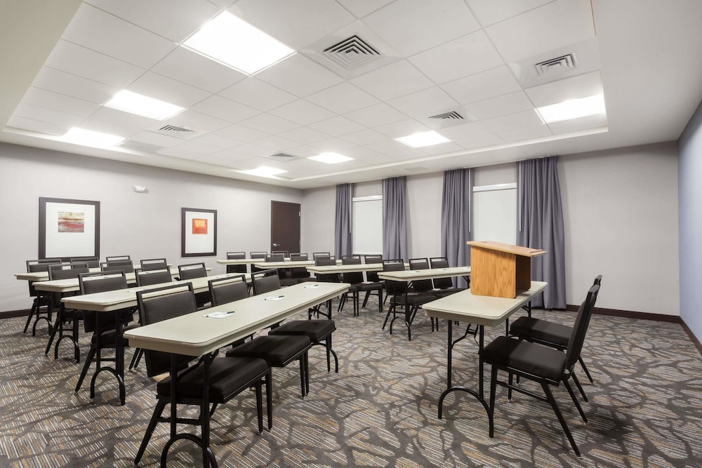 Meeting Facility, Wingate by Wyndham Altoona Downtown/Medical Center
