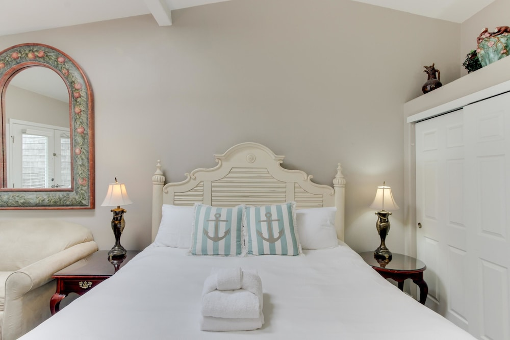 4e1349e4540a Sandals Inn Spa Suite and Oceanside Cabana  2019 Room Prices