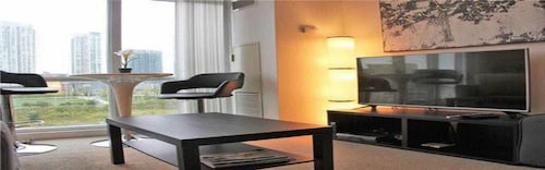 Great Place to stay MiCasa Suites - Stylish Condo by CN Tower near Toronto