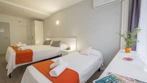 Matelas Select Comfort, coffre-forts dans les chambres, bureau