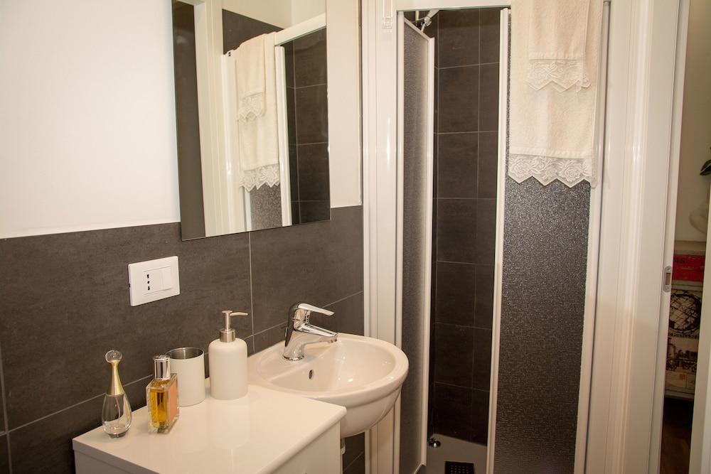 Casa stefani treviso italia for 3 camere da letto 3 piani del bagno