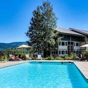 Sandpoint Waterfront Retreat