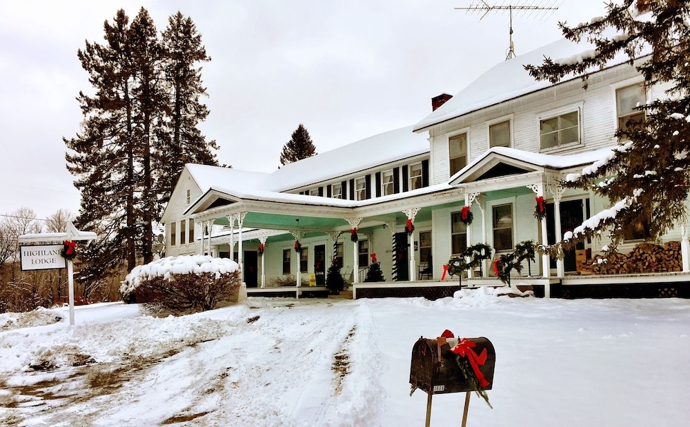 Front of Property, HIGHLAND LODGE