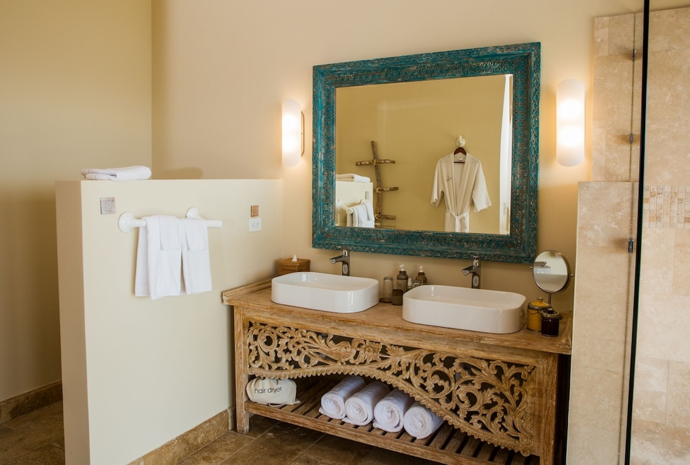 Bathroom, Casa Chameleon Hotel Las Catalinas- Adults Only