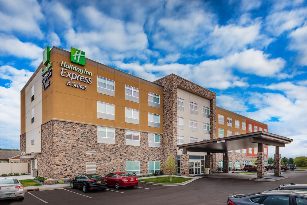 Featured Image, Holiday Inn Express & Suites Rice Lake, an IHG Hotel