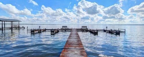 Check Expedia for Availability of Pratt s Resort 5 Dockside