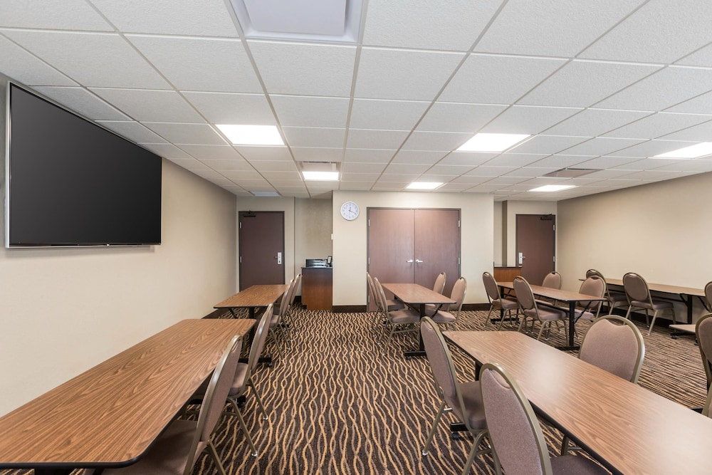 Meeting Facility, Sleep Inn & Suites West Des Moines near Jordan Creek