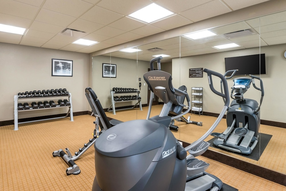 Fitness Facility, Sleep Inn & Suites West Des Moines near Jordan Creek